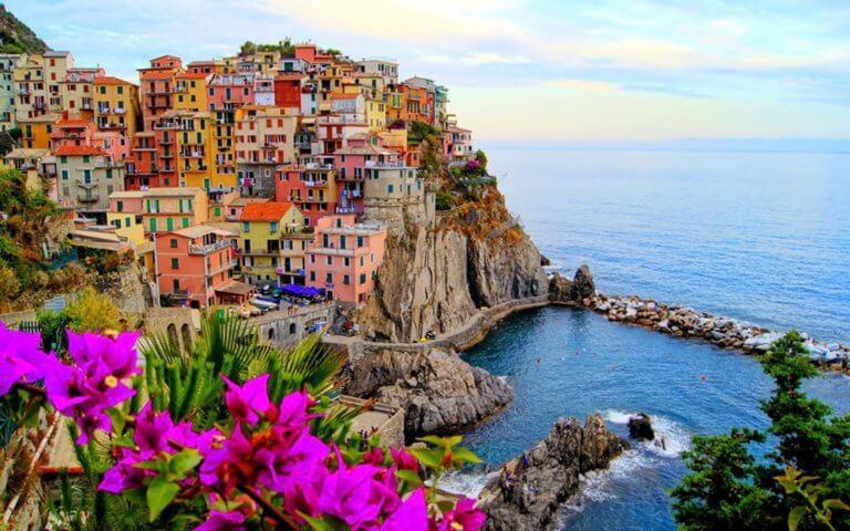 Πρόστιμο έως 2.500€ αν πας με… σαγιονάρες στην Cinque Terre της Ιταλίας! | Newsit.gr