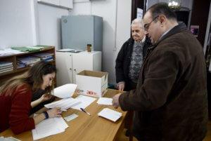 Εκλογές 2019: Ονομαστική ψηφοφορία προκαλεί το ΚΙΝΑΛ για τις αλλαγές στις κάλπες