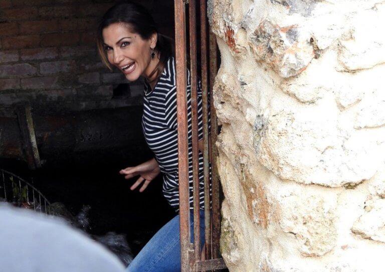 «My Greece»: Η Δέσποινα Βανδή μας ξεναγεί στην Καλαμάτα! Φωτογραφίες