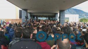 Καλαμάτα: Στον «αέρα» το συνέδριο της ΓΣΕΕ – Νέα ένταση χωρίς… έναρξη – video