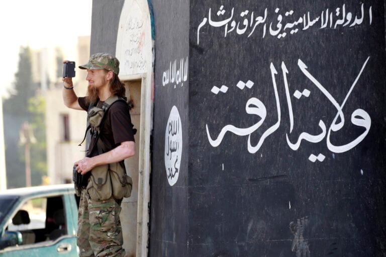 Δανός υπουργός για συμπατριώτες του που πολέμησαν με τον ISIS: Καλύτερα να είχαν πεθάνει!