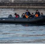 πρόσφυγες - φράγμα