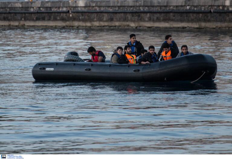 Διάσωση 33 προσφύγων στο Αγαθονήσι