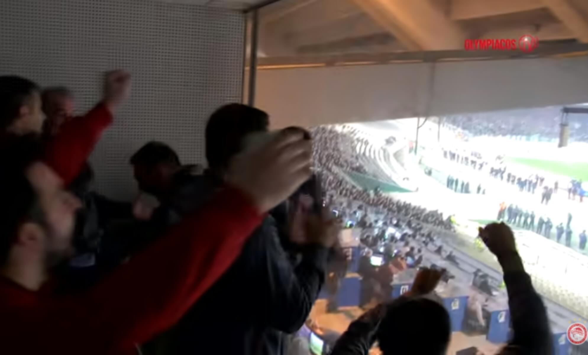 """Παναθηναϊκός – Ολυμπιακός: Οι πανηγυρισμοί στο """"ερυθρόλευκο"""" μπουθ! video"""