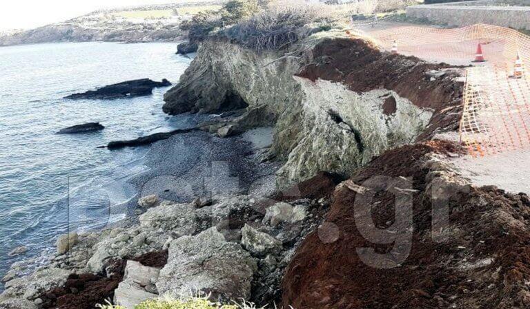 Πάρος: Ο δρόμος… έπεσε στη θάλασσα! – video   Newsit.gr