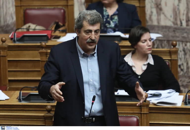 Ο Πολάκης αφιέρωσε τραγούδι στα «λαμόγια» – «Δεν μπορώ να μην τους γλεντάω» – video | Newsit.gr