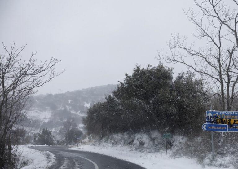 Καιρός: Που χιονίζει τώρα – Ποιοι δρόμοι είναι κλειστοί