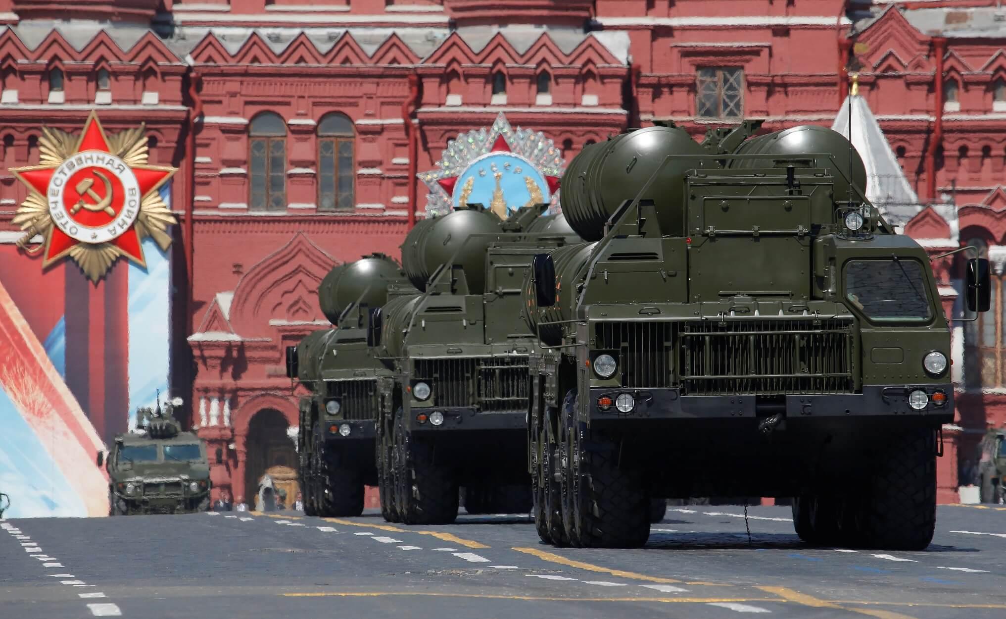 Ρωσία: Παρέταξε πυραύλους S-400 στην περιφέρεια του Λένινγκραντ!