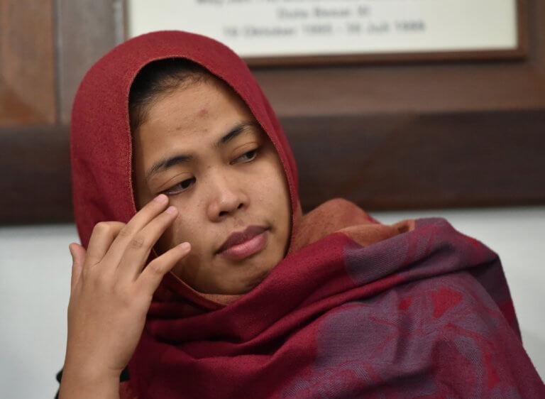 Ελεύθερη η γυναίκα που κατηγορήθηκε για τη δολοφονία του αδερφού του Κιμ Γιονγκ ουν