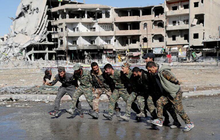 ISIS: Χαρές και πανηγύρια για τη νίκη κατά του Χαλιφάτου του Τρόμου!