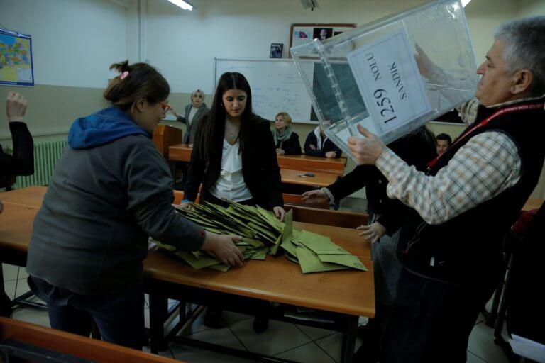 Επανακαταμέτρησης συνέχεια σε άλλες 15 περιφέρειες στην Κωνσταντινούπολη