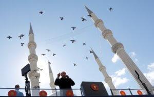 """Τουρκία: Αυτοδιοικητικές εκλογές μέσα σε οικονομικό χάος – Κρας τεστ για τον Ερντογάν που """"σημαδεύει"""" την Αγια Σοφιά!"""