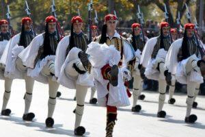 """Παρέλαση 25 Μαρτίου: Σιωπή κυβέρνησης για απαγόρευση του εμβατηρίου """"Μακεδονία Ξακουστή""""!"""