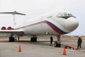«Ψυχρός πόλεμος» Ρωσίας – ΗΠΑ για τη Βενεζουέλα: Δεν στείλαμε στρατό, λέει η Μόσχα