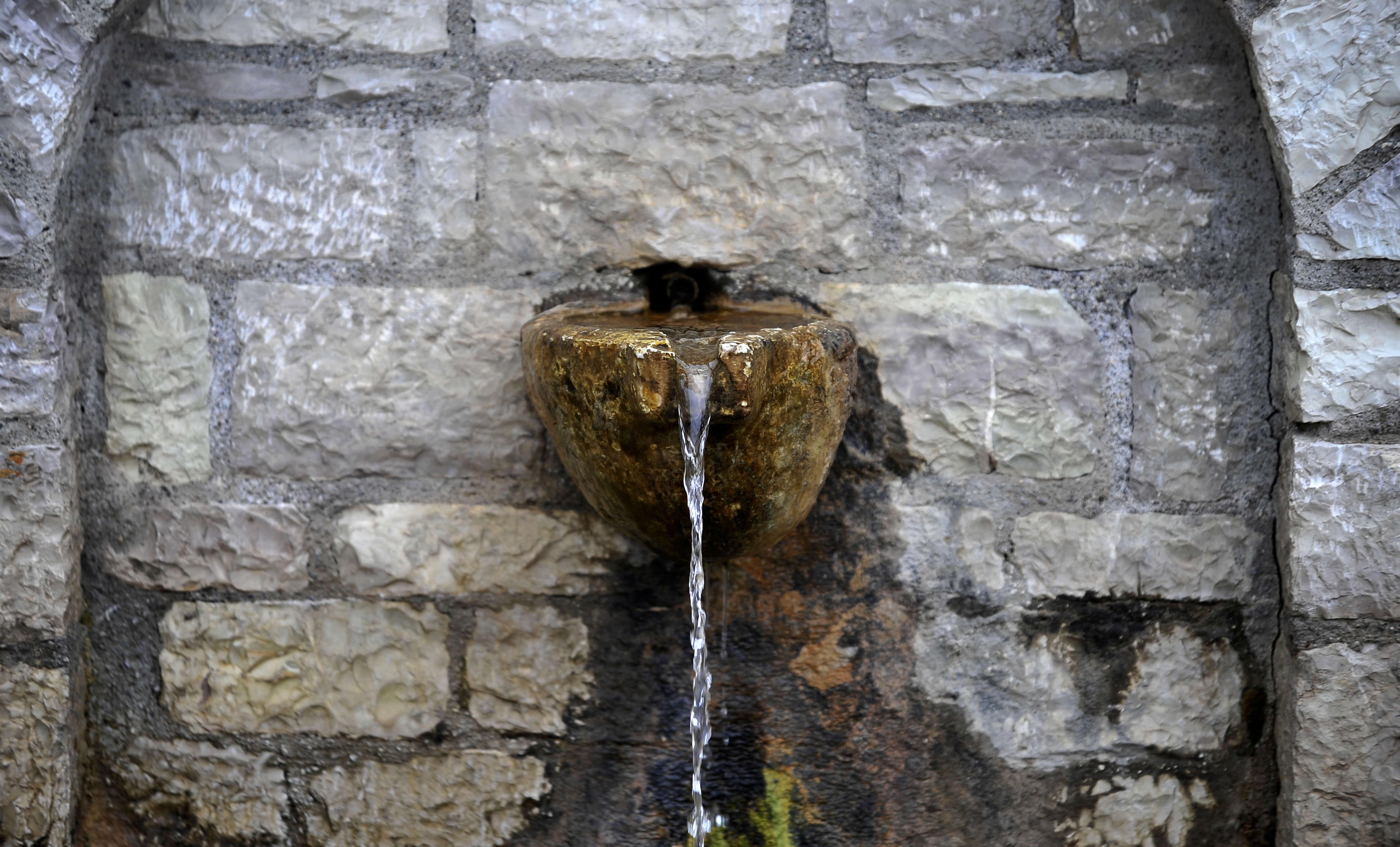 Ακατάλληλο νερό στην Καστοριά! Έκλεισε πηγή ύδρευσης – Τι έδειξαν οι μετρήσεις