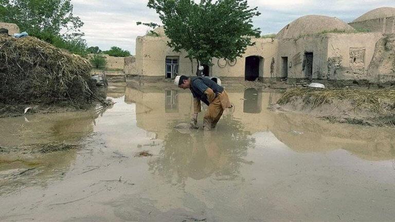 Τραγωδία – Αφγανιστάν: Φονικές πλημμύρες – Παιδιά ανάμεσα στους νεκρούς! | Newsit.gr