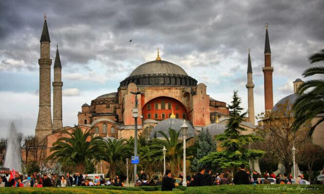 Τι απέγινε η Αγία Τράπεζα της Αγιάς Σοφιάς όταν η Βασιλεύουσα έπεσε στα χέρια των Τούρκων | Newsit.gr