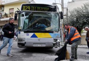Αιγάλεω: Συγκλονιστικές μαρτυρίες για τη σύγκρουση λεωφορείων – video