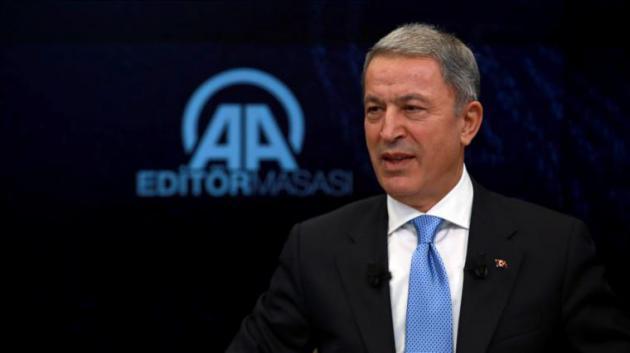 """Χουλουσί Ακάρ: """"Τον Οκτώβριο ξεκινά η εγκατάσταση των S-400 στην Τουρκία"""""""