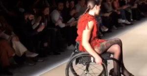 Ναύπακτος: Μαθήματα ζωής από μοντέλο που έκανε πασαρέλα μετά το ατύχημα που την άφησε ανάπηρη!