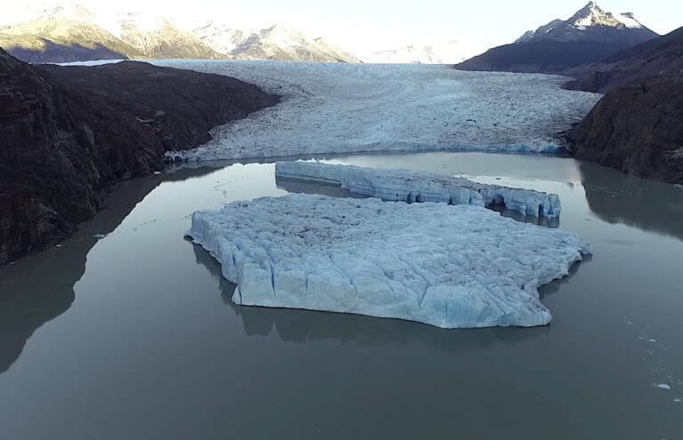 Ανταρκτική: Ζημιές από θραύσματα παγόβουνου σε αποστολές!