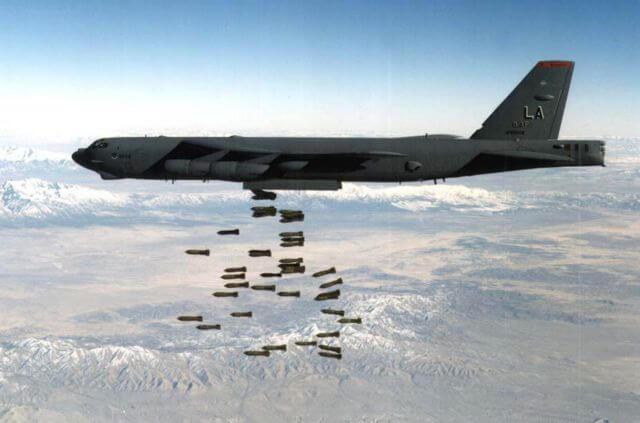Β-52H εναντίον SU-27: Μονομαχίες α λα «Φαρ Ουέστ» για Ρώσους και Αμερικανούς!