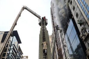 Θρήνος στο Μπαγκλαντές για τους 25 νεκρούς της φωτιάς στον «Πύργο της Κολάσεως»