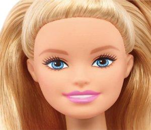 """Κούκλα… 60 ετών! Γενέθλια για την Μπάρμπι – Οι σταθμοί της """"ζωής"""" της"""