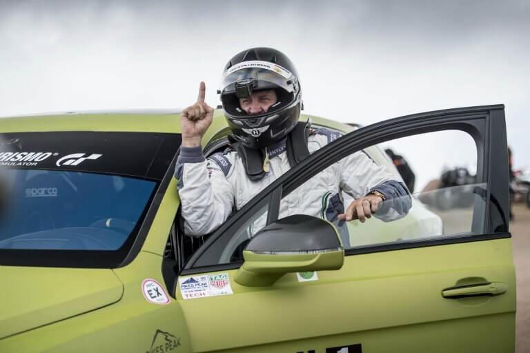 Η Bentley θέλει να σπάσει το ρεκόρ στο Pikes Peak με μια Continental GT [vid]