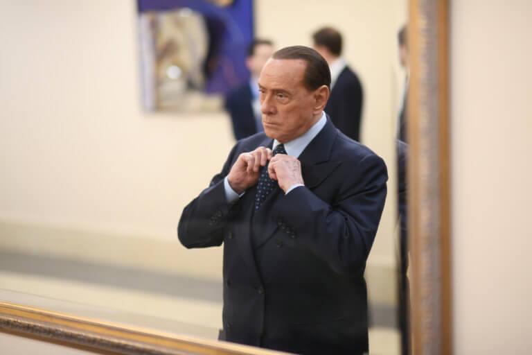 Νέα μπλεξίματα για Μπερλουσκόνι – Κατηγορείται για δικαστική διαφθορά | Newsit.gr