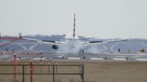 Boeing: Αναστέλλει τις παραδόσεις των 737 MAX