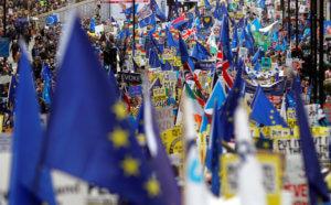 Στοπ στο Brexit διαδηλώνουν χιλιάδες άνθρωποι στο Λονδίνο [pics, video]