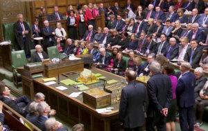 Βρετανία: Εγκρίθηκε η παράταση του Brexit