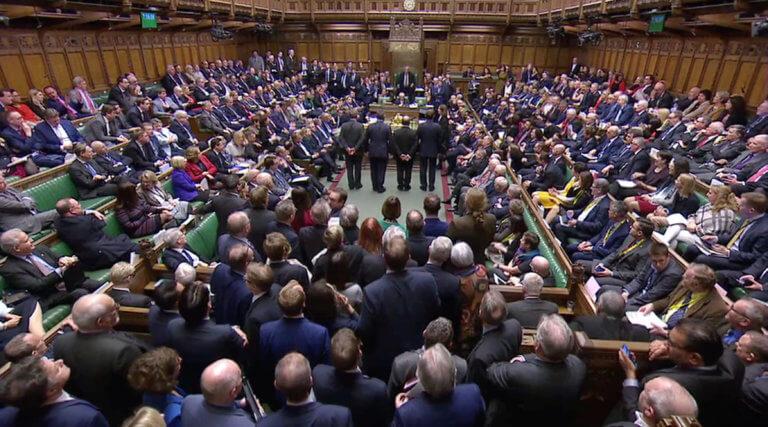 Brexit: Υπερψηφίστηκε το σχέδιο της Μέι – «Εκτός πλάνων» πλέον η αποχώρηση χωρίς συμφωνία