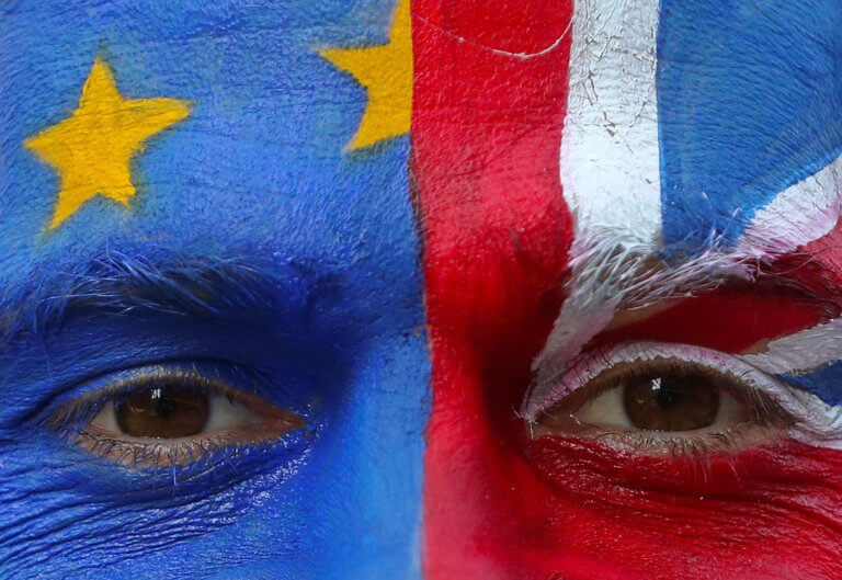 Brexit: Χωρίς βίζα οι μετακινήσεις Βρετανών και Ευρωπαίων