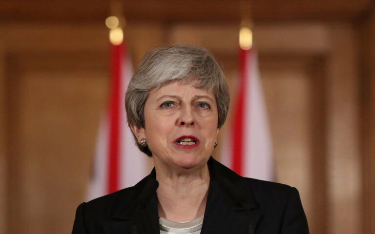 Brexit: Νέα παράταση και ευρωεκλογές προωθεί η Μέι!