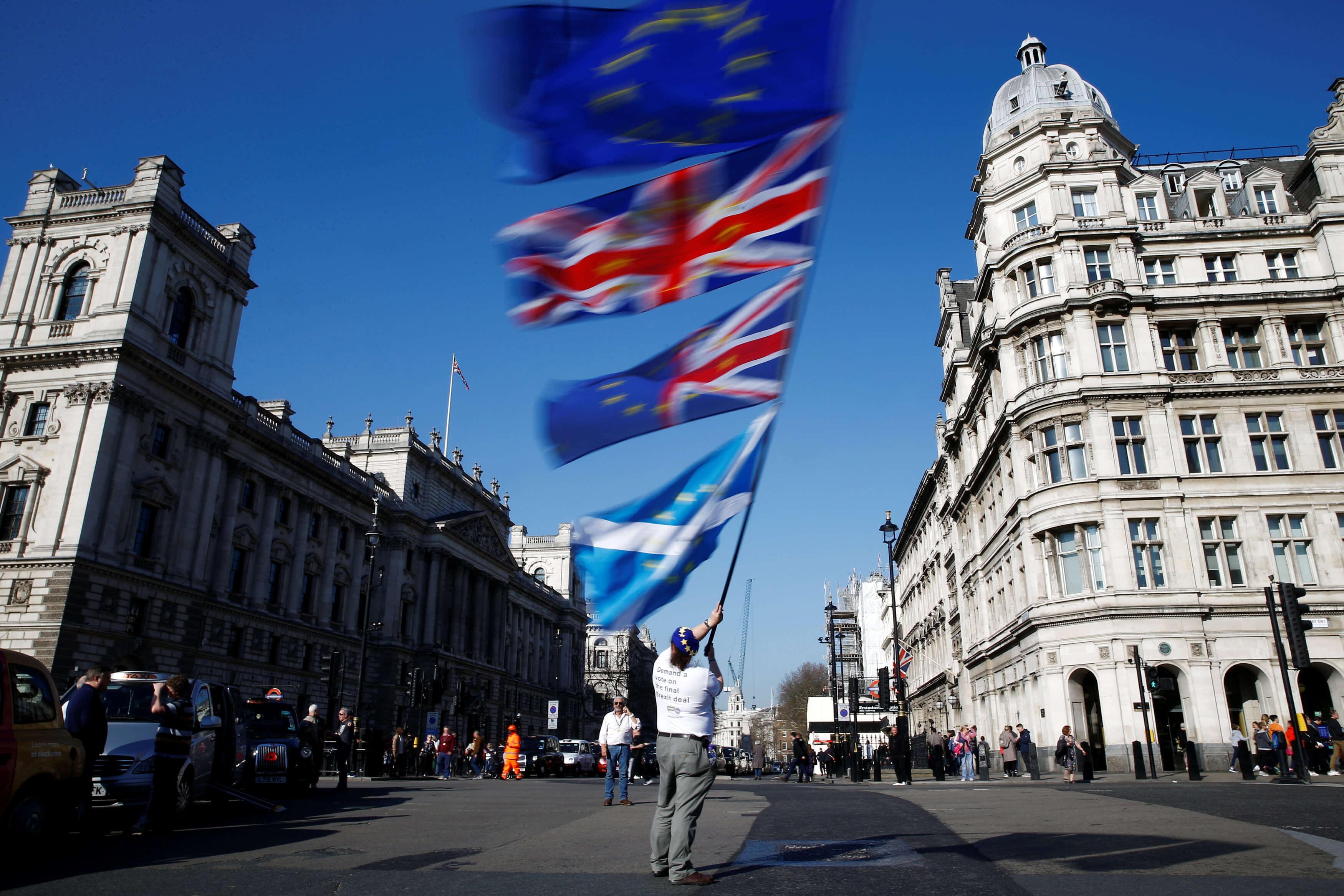 Brexit: Παράθυρο για καθυστέρηση λίγων εβδομάδων αφήνει η ΕΕ