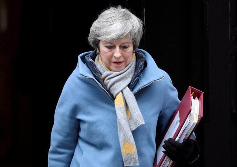 Brexit: Αυτά είναι τα επόμενα βήματα μετά το «φιάσκο» της Μέι!