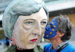 Brexit: Βαθαίνει η απογοήτευση στο κόμμα της Τερέζα Μέι