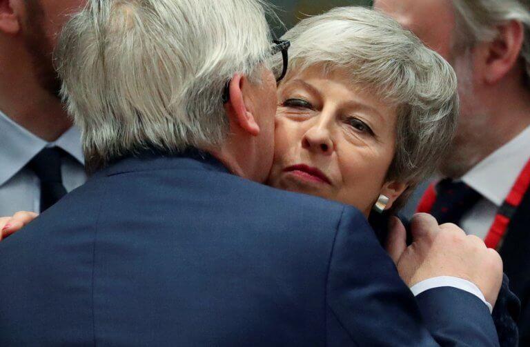 Brexit: Ισορροπία του τρόμου! Ιδού τα σενάρια | Newsit.gr