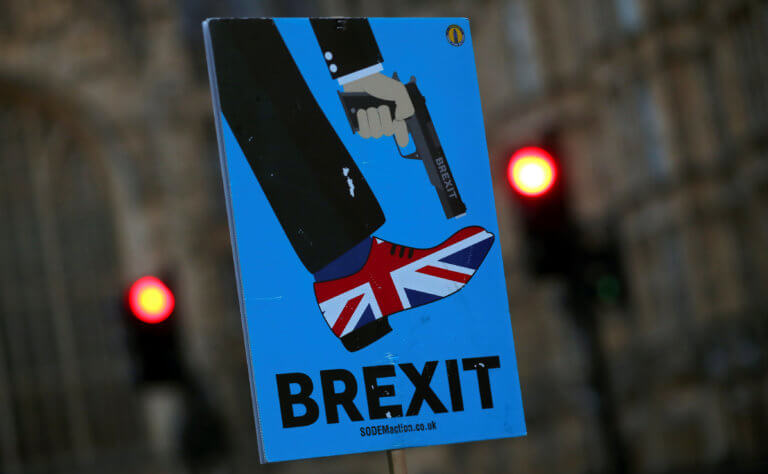 Brexit: «Καταπέλτης» ο Γενικός εισαγγελέας – «Δεν μπορούμε να αποχωρήσουμε μονομερώς από το backstop»