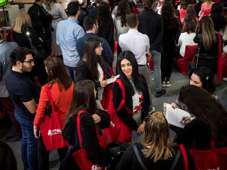 Coca-Cola Τρία Έψιλον δίπλα σε όσους θέλουν να κάνουν τη… δική τους αρχή