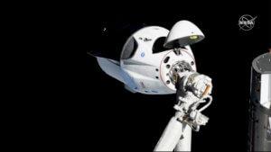 Τι είδες στο… διάστημα Crew Dragon; video, pics