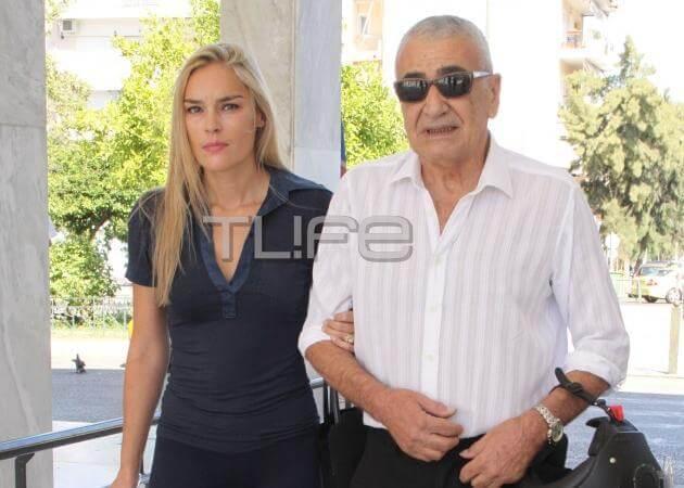 Γιώργος Βογιατζής: H καλλονή σύζυγός του στο fashion show του Βασίλη Ζούλια! [pic]