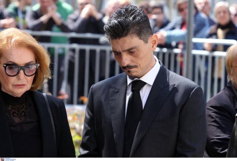 """Κηδεία Θανάση Γιαννακόπουλου – Δημήτρης: """"Είναι τώρα δίπλα στον Παύλο! Να συνεχίσουμε τις επιτυχίες"""""""
