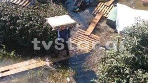 Χαλκίδα: Συνεχίζουν να ζουν μακριά από τα σπίτια τους – Απόγνωση μετά τις πλημμύρες!