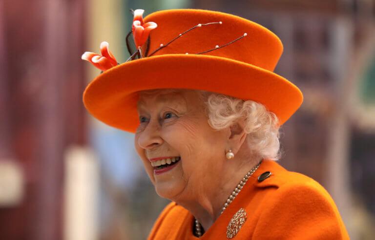 Instagram-ικιά και η Βασίλισσα Ελισάβετ! Το πρώτο της post