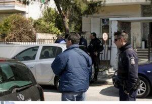 Απίστευτο: Ληστεία στο σπίτι του Αντιπτέραρχου που σκότωσε τη γυναίκα του και αυτοκτόνησε!