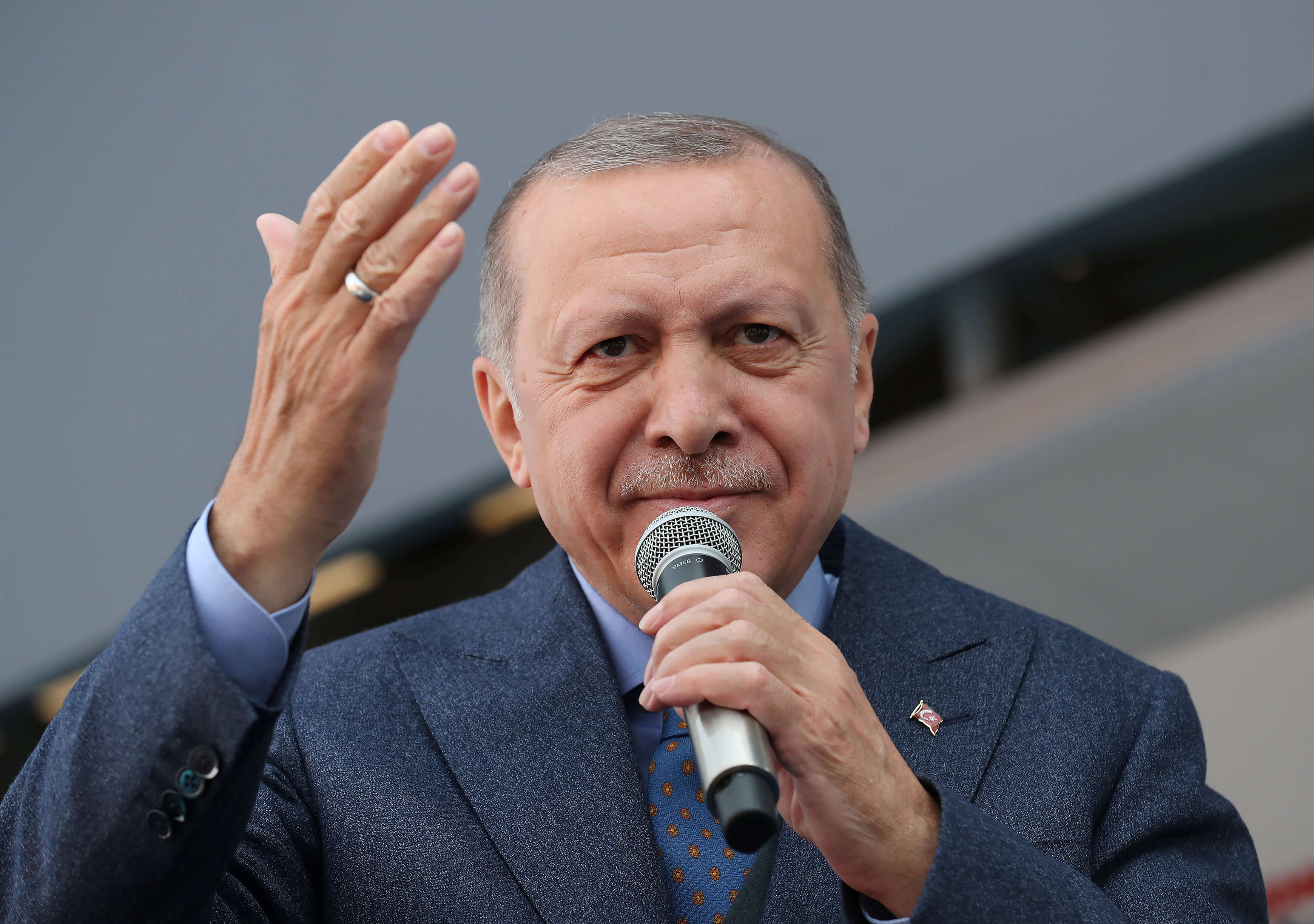 """Προκλητικός Ερντογάν από τη Σμύρνη! """"Έριξες τους γκιαούρηδες στη θάλασσα"""""""