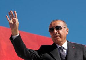 Τουρκία: Η λίρα κατρακυλάει αλλά ο Ερντογάν κάνει άρνηση